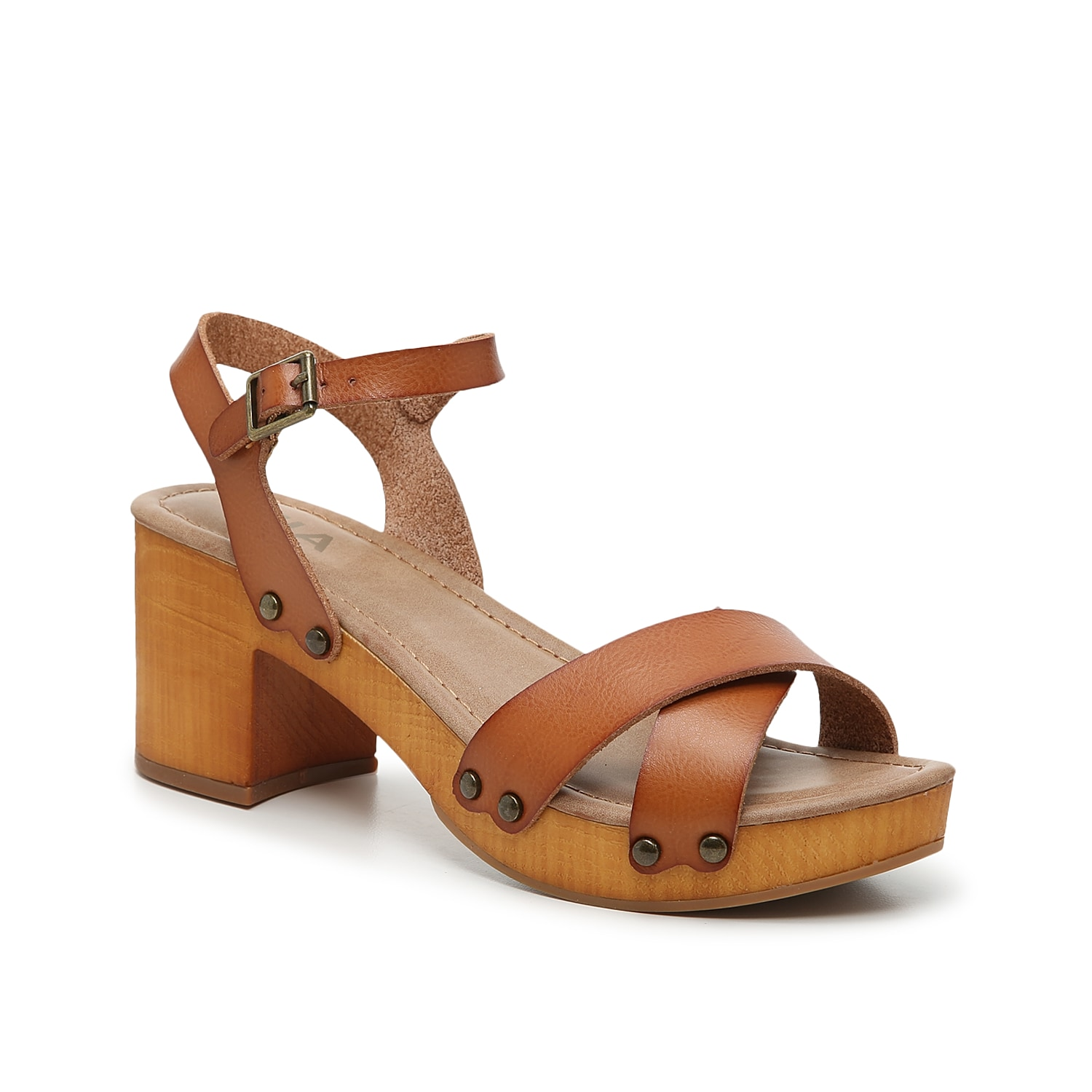 Bring your ensemble all the trendy looks with the susan platform sandal from Mia. This silhouette is fashioned with a crisscrossed toe strap and stud accents for edgy-intrigue!