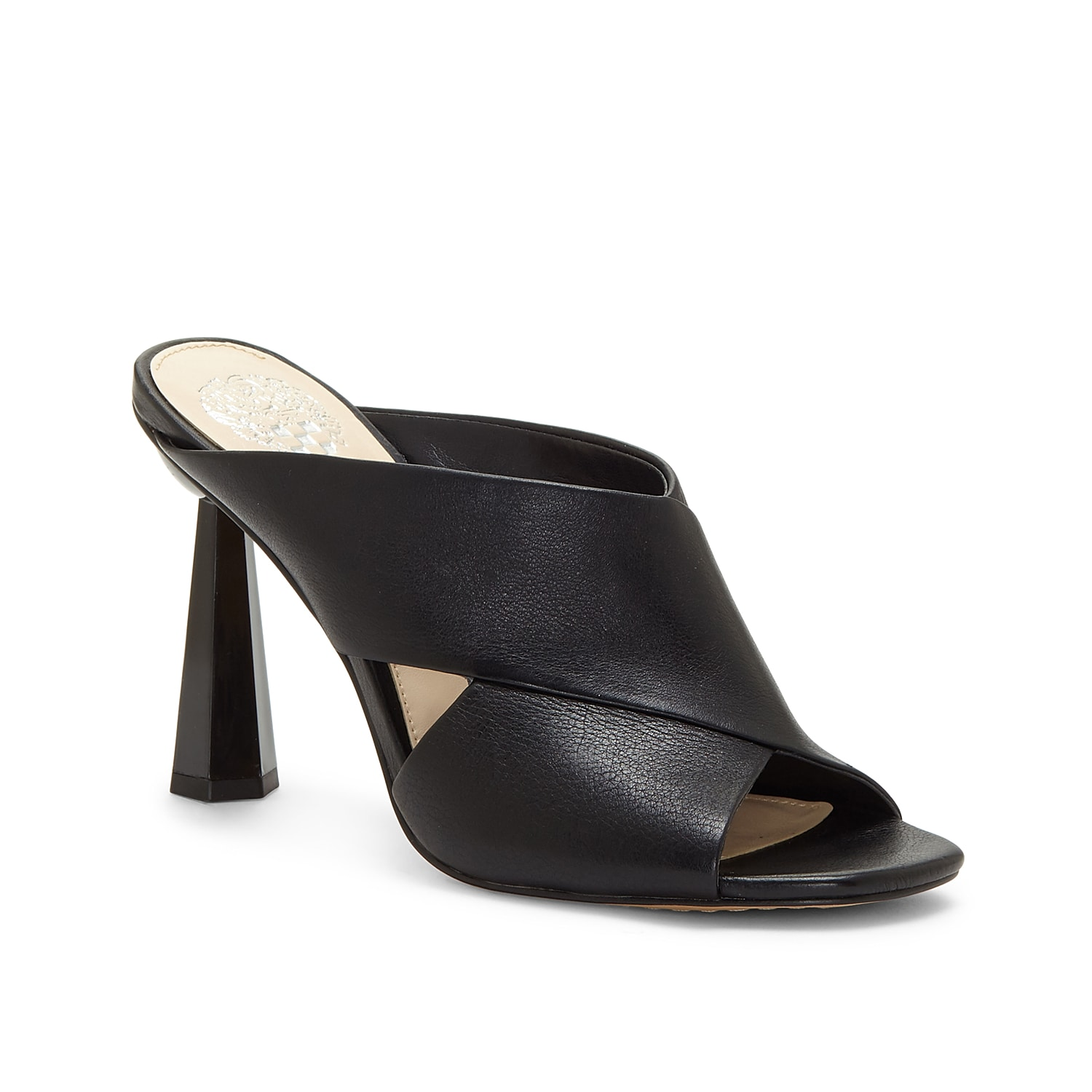 The Averessa X-band sandal from Vince Camuto is an absolute style delight. Its crisscross-strapped leather profile is elevated by a faceted geo-chic heel.