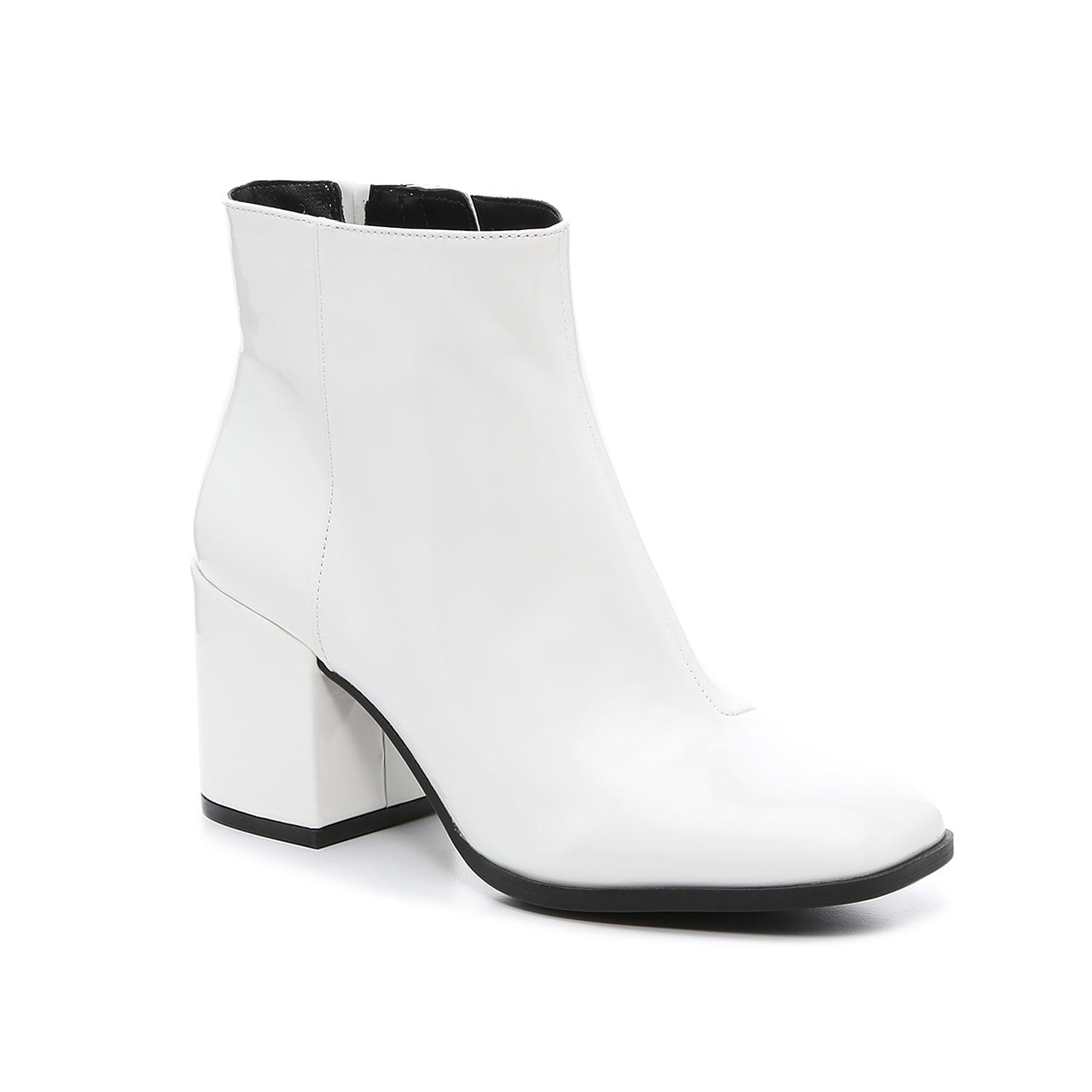 The Benisa bootie from Mix No. 6 rocks a classic design that pairs with any outfit. The squared off toe and chunky block heel add a modern finish to this ankle boot. Click here for Boot Measuring Guide.