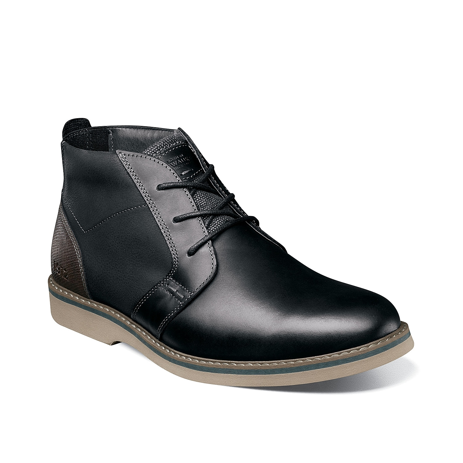 Streamline your style with the Barklay boot from Nunn Bush. This chukka features a durable leather construction and is backed by a Comfort Gel memory foam cushioned footbed to keep feet feeling great.