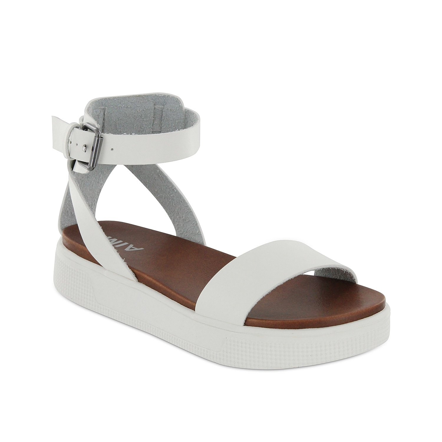 The Ellen platform sandal from Mia flaunts a sneaker-inspired midsole for sporty appeal. Pair this two-piece with your favorite dress or overalls to stay right on trend.