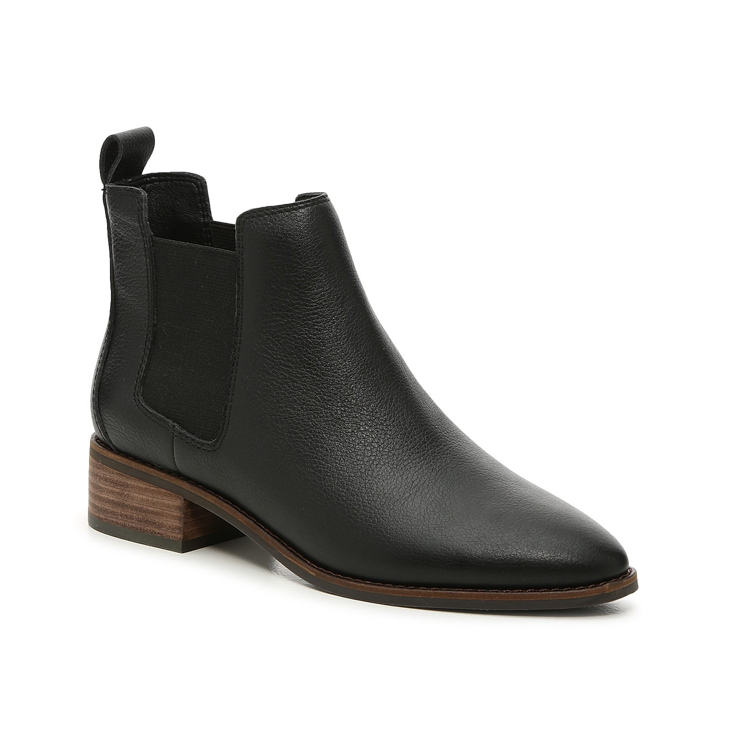 Give your cool weather look a classic finish with the Lufti Chelsea boot from Lucky Brand. This ankle boot rocks a low block heel and sleek almond toe for added style.Click here for Boot Measuring Guide.