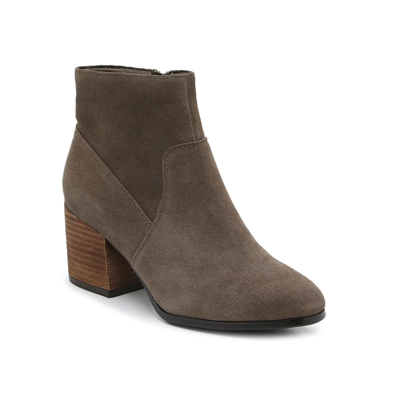 The Sondra bootie from Blondo will keep your shoe collection right up to date. This ankle boot is fashioned with a waterproof-treated suede upper and a stacked heel for some dramatic yet walkable height!Click here for Boot Measuring Guide.