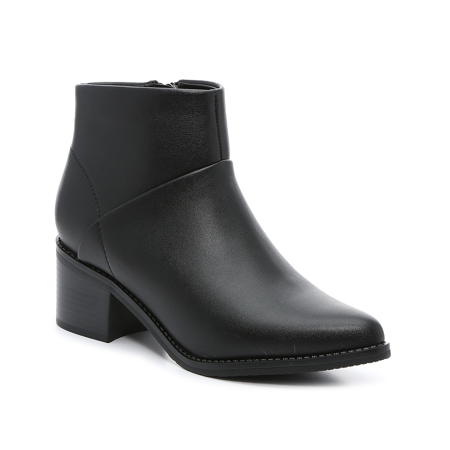 The Eileen bootie from Blondo will keep your shoe collection right up to date. This ankle boot is fashioned with a waterproof-treated leather upper and a long, pointed toe that\\\'s arched slighly upwards for western flair. The mid-height block heel makes this pair easily walkable. Click here for Boot Measuring Guide.