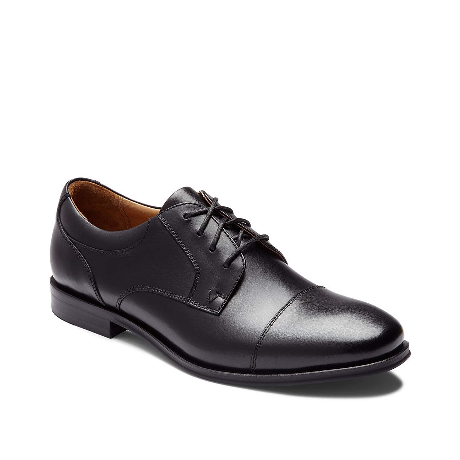 Classic style comes with all-day comfort in the Shane oxford from Vionic. Perfect for day to night wear, this leather lace-up features podiatrist-designed technology to support your feet with daylong comfort.