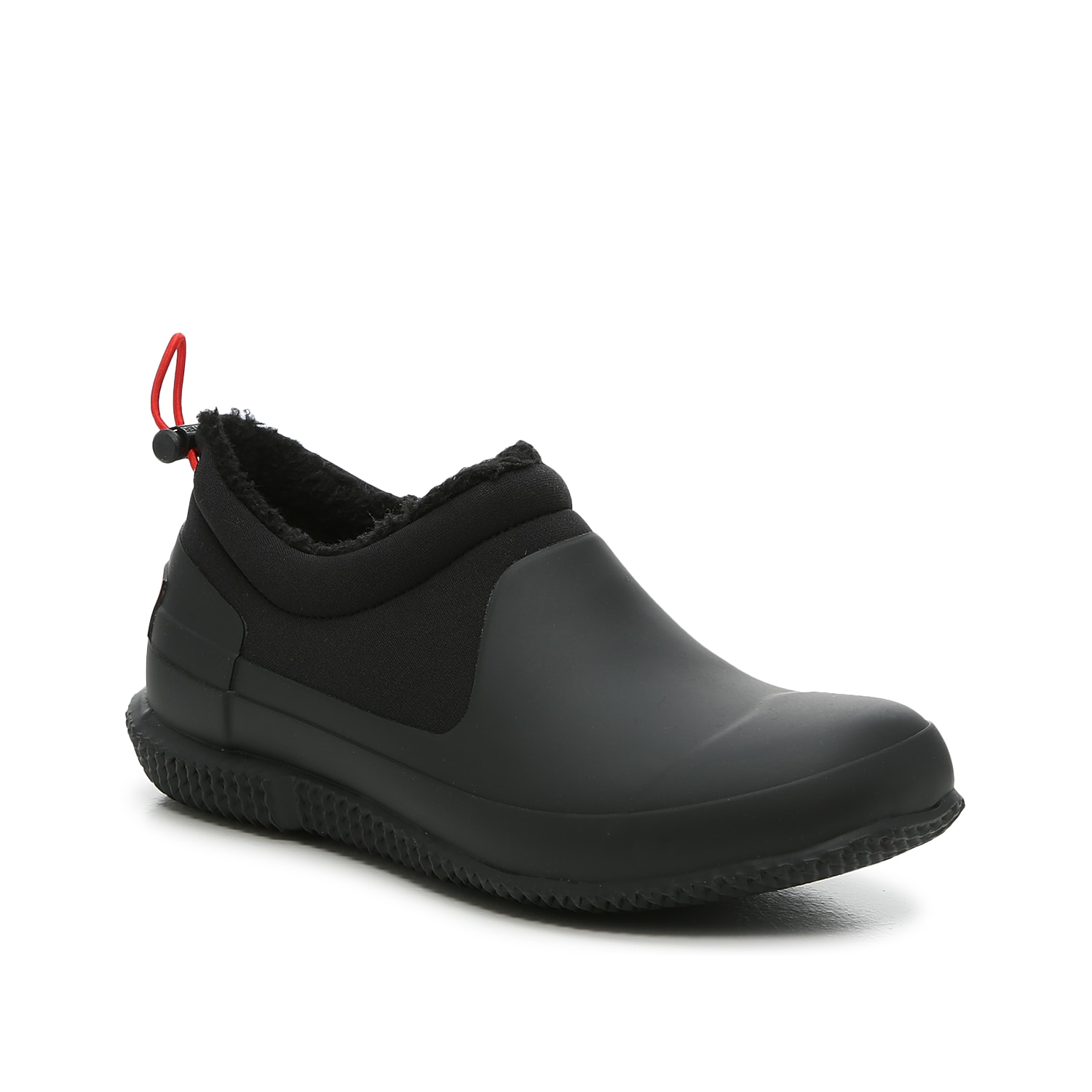 The Hunter Original Sherpa Short rain booties are handcrafted from natural, waterproof rubber and insulating neoprene. Featuring a drawstring bungee cord closure that perfects the fit, these snug slipper shoes are lined with Sherpa fleece and thermal insulation that can withstand temps as low as -5°C/23°F. Click here for Boot Measuring Guide.