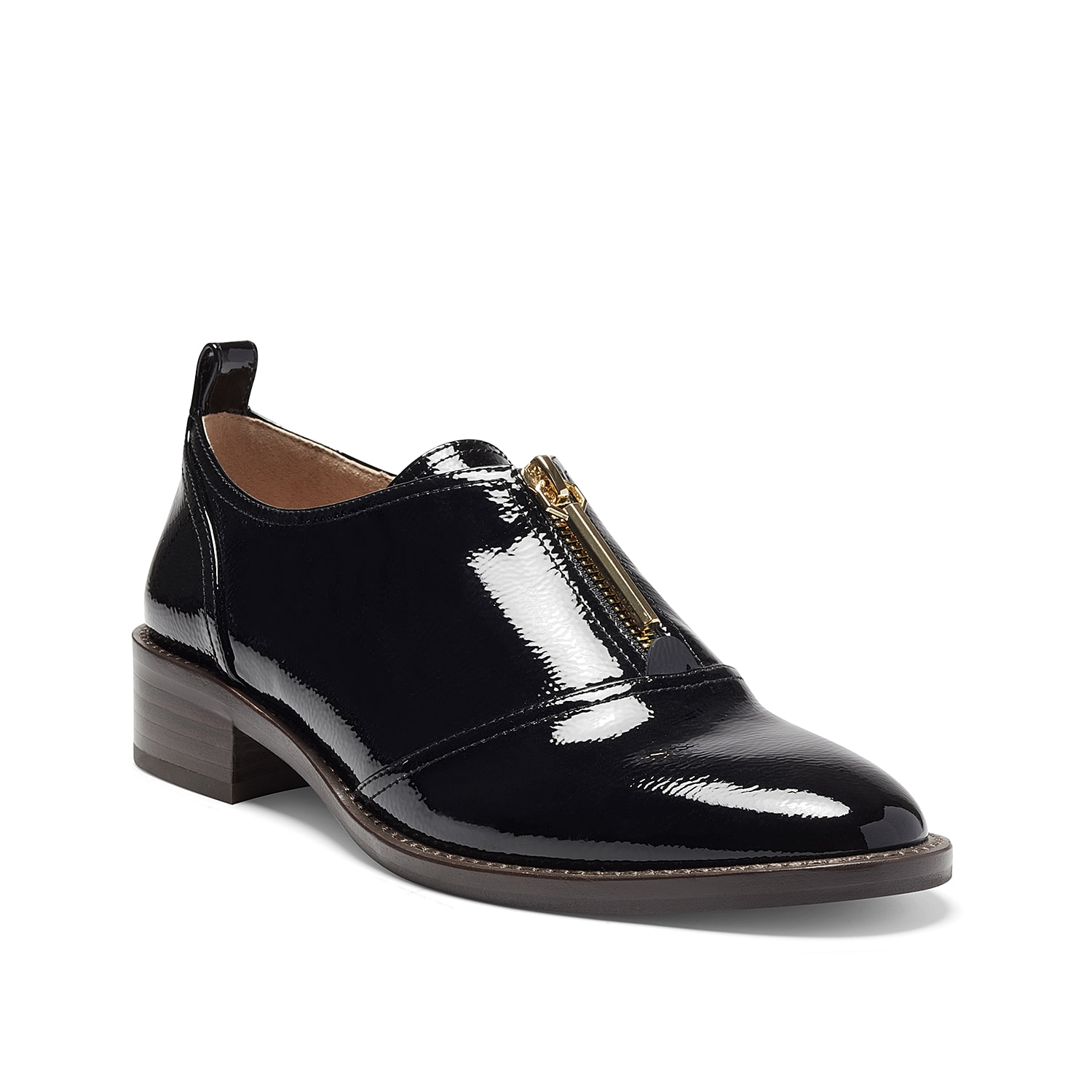 With its classy inspiration and modern day touch, the Louise Et Cie Fadi oxford shoe can be your go-to dressy footwear. Topped with a high-shine finish, its leather construction is further highlighted with brass-tone hardware, almond toe and contrasted by a stacked-like heel.
