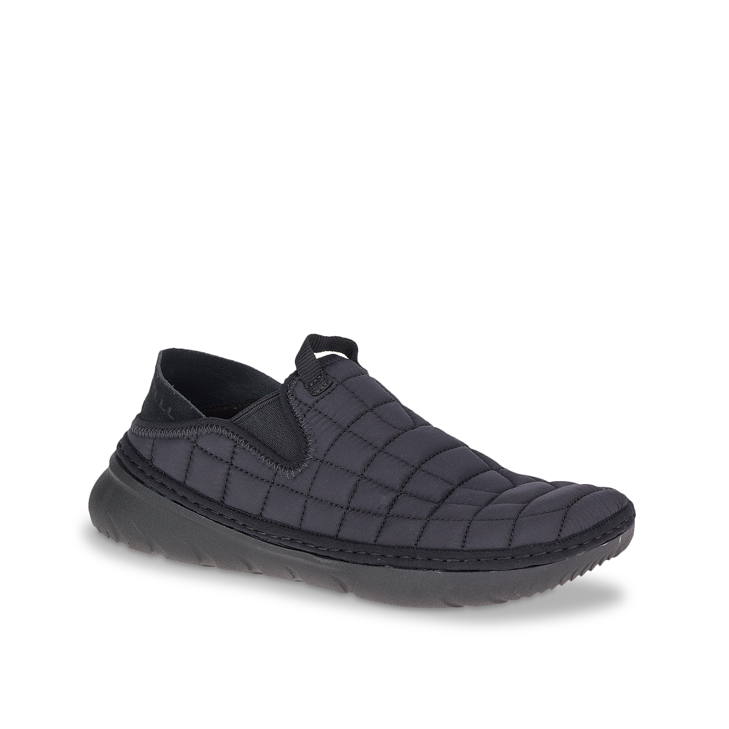 Get hooked to the lightweight comfort and optimal style of the Merrell Hut Moc slip-on. The quilted nylon construction is backed by a comfortable EVA footbed and ultra-light EVA sole.
